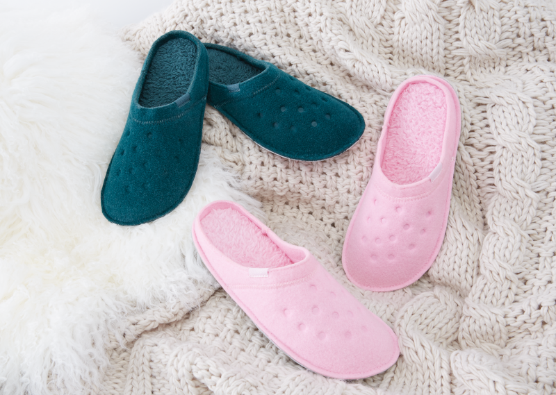 CROCS_slippers